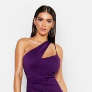 Beautiful Size 12 Boohoo purple gown